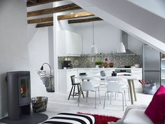 These Last Minute Home Staging Tips Will Help Don't Stress! These Last Minute Home Staging Tips Will HelpDon't Stress! These Last Minute Home Staging Tips Will Help Swedish Home Decor, Swedish Style, Scandinavian Home, Interior Design Elements, Beautiful Interior Design, Home Staging Tips, Moroccan Interiors, Retro Home, Home Decor Styles