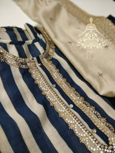 New Kurti Designs, Kurta Designs Women, Kurti Designs Party Wear, Latest Dress Design, Stylish Dress Designs, Simple Pakistani Dresses, Pakistani Dress Design, Sleeves Designs For Dresses, Dress Neck Designs