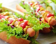 Hot dog aux saucisses Knacki® et aux crudités : http://www.fourchette-et-bikini.fr/recettes/recettes-minceur/hot-dog-aux-saucisses-knackir-et-aux-crudites.html