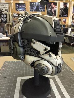 Titanfall IMC Pilot Helmet (Final paint and detailing before decals and… Helmet Armor, Suit Of Armor, Paintball, Armadura Cosplay, Tactical Helmet, Foam Armor, Airsoft Mask, Futuristic Armour, Sci Fi Armor