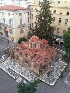 ancient Church of Panaghia Kapnikareas in the middle of Athens - century - Byzantine - Greece My Athens, Athens Greece, Athens City, Mykonos Greece, Crete Greece, Beautiful Islands, Beautiful Places, Rome Tours, Byzantine Architecture