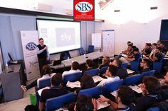 Fabio Martinenghi di #skyitalia presenta l'azienda alla #Xedizione del #mastersbs. #masterinsport #treviso