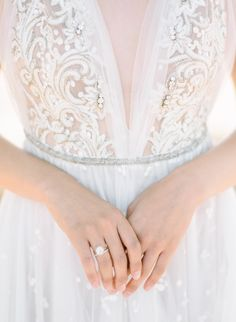 5 Ideas to Make Your Wedding Table Design Uniquely Yours Wedding Dress Types, Perfect Wedding Dress, Best Wedding Dresses, Bridal Dresses, Wedding Styles, Wedding Gowns, Bridesmaid Dresses, Bridal Portraits, Beautiful Bride