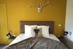 Weekend dans le Beaujolais : 8 expériences à ne pas louper ! - Chouette World - Blog voyage Le Beaujolais, Blog Voyage, Bed, Furniture, Home Decor, Owls, Decoration Home, Stream Bed, Room Decor