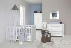 Habitación de bebé en gris y blanco