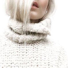 sweater knitwear knitted sweater off-white sweater heavy knit jumper turtleneck off-white Parisienne Chic, Girls Sweaters, Cozy Sweaters, Cardigan Blazer, Wooly Bully, Fashion Jobs, Fashion Clothes, Fashion Fashion, Fashion Women