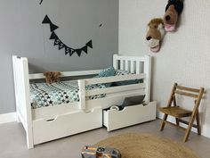 http://myshop.s3-external-3.amazonaws.com/shop2329900.pictures.Peuterbed%20Tim%20Wit%20PLF.jpg