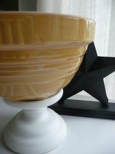 Love yellow ware bowls
