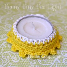 http://flythecoopcrafts.blogspot.ca/2013/02/a-tiny-little-crochet-tutorial-on-way.html  also flowers and butterfly wreath