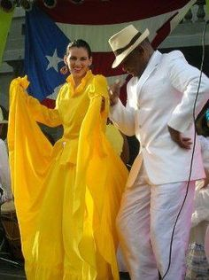 the history of the salsa dance and the music culture in puerto rico Vying for the title of queen of merengue with puerto rico's olga tanon, milly quezada got her start as the lead vocalist for milly y los vecinos which, while based in new york, proved that merengue could be popular and successful in the enclave of puerto rican salsa.