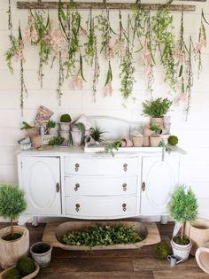 CottonStem.com hanging flowers vintage ladder farmhouse spring decor