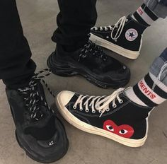 9 Trendy Fashion Items You Can Try From Grunge Style Aesthetic For Edgy Look – Fashion & Style Ideas Sock Shoes, Cute Shoes, Me Too Shoes, Mode Grunge, Style Grunge, 90s Grunge, Grunge Fashion, Look Fashion, Trendy Fashion