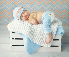 New baby photography poses photographing kids girls ideas Foto Newborn, Newborn Baby Photos, Baby Poses, Newborn Poses, Baby Girl Newborn, Newborn Photography Poses, Newborn Baby Photography, Photography Props, Baby Boy Pictures