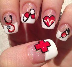 Pintura de uñas ideal para enfermeras y médicas