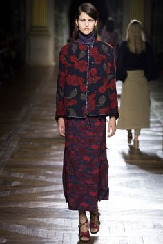 Dries Van Noten Fall 2015 Ready-to-Wear Fashion Show - Lia Pavlova (New Madison)