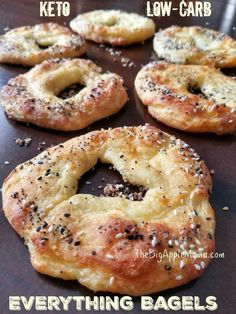 Fat Loss Meal Plan Best Keto Low Carb Bagels with Everything seasoning.Fat Loss Meal Plan Best Keto Low Carb Bagels with Everything seasoning Low Carb Bagels, Low Carb Pizza, Low Carb Keto, Low Carb Recipes, Diet Recipes, Recipes Dinner, Keto Bagels, Breakfast Recipes, Low Carb Breakfast Easy