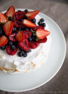 Maidoton täytekakku Kermit, Cheesecake, Strawberry, Eat, Desserts, Food, Tailgate Desserts, Deserts, Cheesecakes