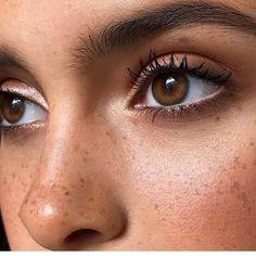 girlscene.nl - 11 stappen voor een dagelijkse make-up routine met een glowy basis