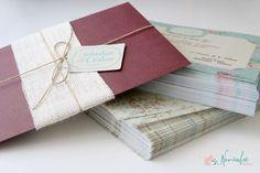 Invitación de boda de estética rustica y vintage decorado con tela de arpillera. Rustic and vintage Wedding invitation with yute