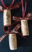 Wine Cork Holiday Ornaments using Recycled Corks! What a cute idea!