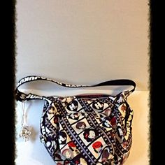 Harajuku Lovers Purse Very cute purse in great condition. Approx 11 in x 10 in Harajuku Lovers Bags