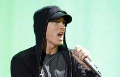 Eminem struggled with sober show - Celebrity Balla