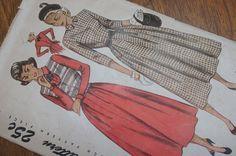 Vintage Dress Pattern 1940s Simplicity 2633 Size by strangenotions, $14.95
