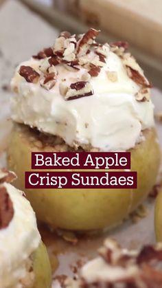 Fun Baking Recipes, Apple Recipes, Sweet Recipes, Dessert Recipes, Cooking Recipes, Just Desserts, Delicious Desserts, Yummy Food, Baked Apple Crisps