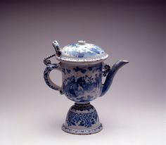 Een Delftse faience Fopkan - Plateelbakkerij: Onbekend - c.1700-1730