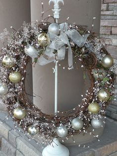 Seasons Of Joy: Seasons Greetings Wreath I could make this out of the grape vine wreaths I make every year from dad's house. Noel Christmas, Winter Christmas, Coastal Christmas, Country Christmas, Christmas Reath, Handmade Christmas, Christmas Mantels, Christmas Baubles, Outdoor Christmas