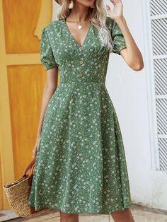 Short Sleeve Dresses, Dresses With Sleeves, Dress P, Wrap Dress, Stylish Dresses, Fashion Dresses, Kebaya Modern Dress, Hanging Wardrobe, Flowy Floral Dress