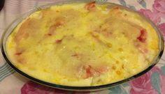A Lasanha de Batata com Molho Branco é fácil de fazer e fica deliciosa. Faça para a refeição da sua família e agrade a todos! Veja Também:Lasanha de Berin