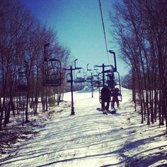 Skiing >>