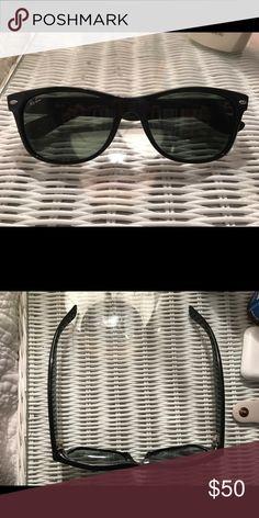 Ray-ban original Wayfarer - black Black original classic wayfarers by Ray-ban. Not polarized. Case included Ray-Ban Accessories Sunglasses