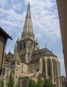 Cathédrale Saint-Lazare d'Autun 71 Religious Architecture, Gothic Architecture, Monuments, Temples, Architecture Religieuse, Romanesque Art, Art Roman, Masonic Symbols, Château Fort