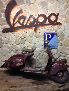 Piaggio Vespa, Vespa Scooters, Vespa Gtv, Motos Vespa, Lambretta Scooter, Scooter Motorcycle, Fast Scooters, Vespa Vintage, Motor Cafe Racer