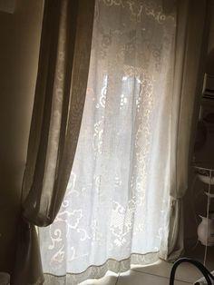 "Antica tenda ricamata a ""500 sfilato Siciliano"" per lo stile Shabby Home Tex, Windows, Home Decor, Houses, Blinds, Rome, Curtains, Table, Decoration Home"