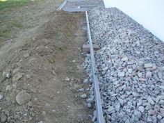 [Voie - allée - enrobée][Haut Rhin (68)] Aménagements extérieurs: Pose d'arrêts pelouse