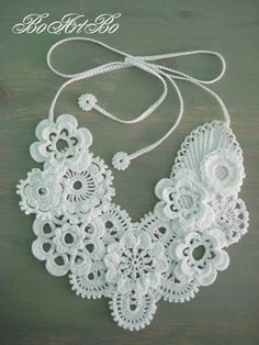 Letras e Artes da Lalá: Irish Lace/crochê irlandês (Tina's handicraft) Freeform Crochet, Irish Crochet, Crochet Motif, Crochet Lace, Crochet Flower Patterns, Crochet Designs, Crochet Flowers, Knitted Necklace, Crochet Earrings