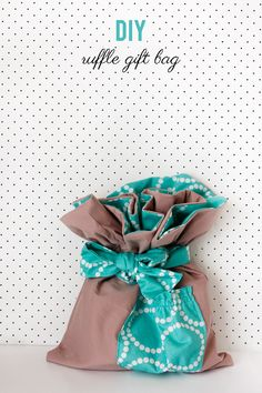 the mystery fabric ruffle challenge! - ruffle fabric gift bag tutorial - see kate sew