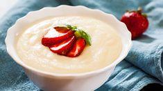 Krupicová kaše: slaná isladká sčokoládou Cream Of Wheat, Emergency Food Storage, Wie Macht Man, Nutritious Breakfast, Nutrition, Cream And Sugar, Corn Syrup, Panna Cotta, Naan