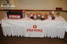 Mmmm! A special treat! A Cold Stone Creamery ice cream bar. http://www.discjockey.org/real-chicago-wedding-sept-3-2016/