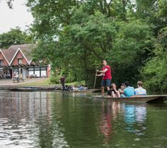 Punting from Cherwell Boathouse - Oxford Summer Courses