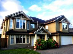 This house located in Darden City Road, Richmond, BC . 401 bus stop next to the house, 10 minutes to the skytrain station by bus. 15 minutes drive to airport.  #hovelOn