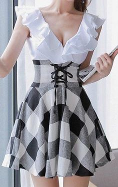Checked Preppy Style V-Neck Lace-Up Selvedge Design Dress For Women Mode Outfits, Fashion Outfits, Womens Fashion, Dress Fashion, Fashion Clothes, Pretty Dresses, Beautiful Dresses, Dress Skirt, Dress Up