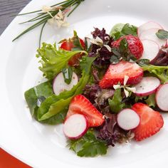 Perfect for Spring & Summer! Strawberry Spring Mix Salad