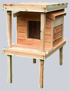 Small Insulated Cedar Cat House with Lower and Raised Lounging Decks. - Each house is hand crafted with high quality workmanship and materials. Cedar is the wood of choice for long outdoor use and will last a lifetime. - This smart design offers comfort f Heated Outdoor Cat House, Outdoor Cat Shelter, Outdoor Cats, Outside Cat House, Cats Outside, Vinyl Doors, Loft House, Cat Furniture, Furniture Online