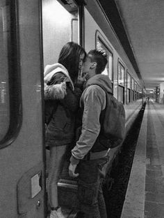 young love couple kiss goodbye - love images Best Couple, Love Couple, Couple Kissing, Relation Ship, Couple Relationship, Cute Relationships, Relationship Goals Tumblr, City Boy, Tumblr Couples