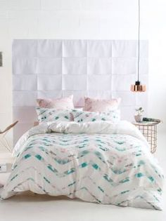 Time to update your quilt cover? Coming in a huge array of colours and styles, you're sure to find the perfect quilt cover set with Linen House. White Duvet Covers, Girls Bedroom, Bedroom Decor, Master Bedroom, Blush Bedroom, Single Quilt, Green Bedding, Bedroom Layouts, Luxury Houses