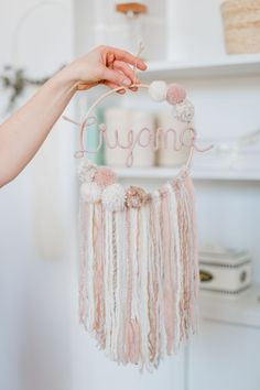 Dream catcher with name in cream / rose / sand - DIY Crafts for Kids Home Crafts, Fun Crafts, Diy And Crafts, Decorating Bookshelves, Pom Pom Crafts, Creation Deco, Diy Gifts For Kids, Cream Roses, Flower Garlands